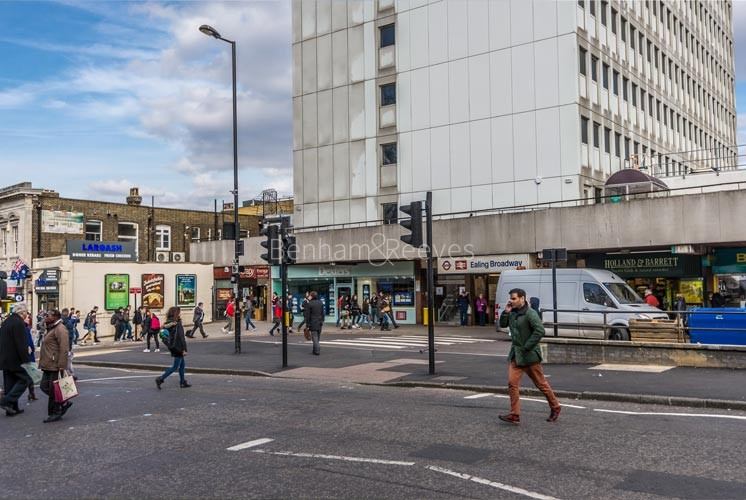 Ealing Area Guide - Image 1