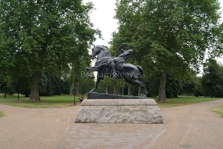 Hyde Park Area Guide - Image 5