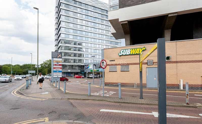 Sunbury-on-Thames Area Guide - Image 1